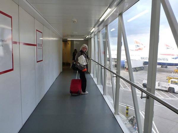 On embarque dans un 747 pour 10H30 de vol pour Phoenix, et on est bien serré dans la bétaillère!