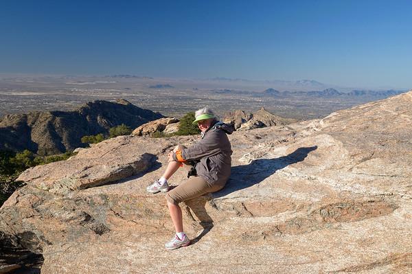 A moitié de la montée, un promontoire avec une vue exceptionnelle sur Tucson
