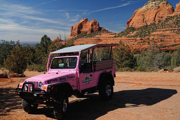 Sedona est envahie de jeeps roses, qui amènent les toutouristes dans les endroits accessibles uniquement en 4X4 (ou a pied)