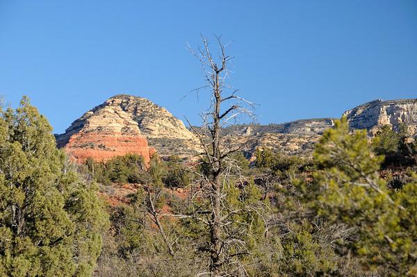 Le ciel est tout bleu ce matin, et les montagnes environnantes toujours aussi belles....