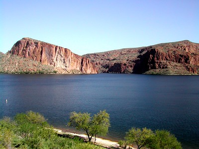 01 - Canyon Lake