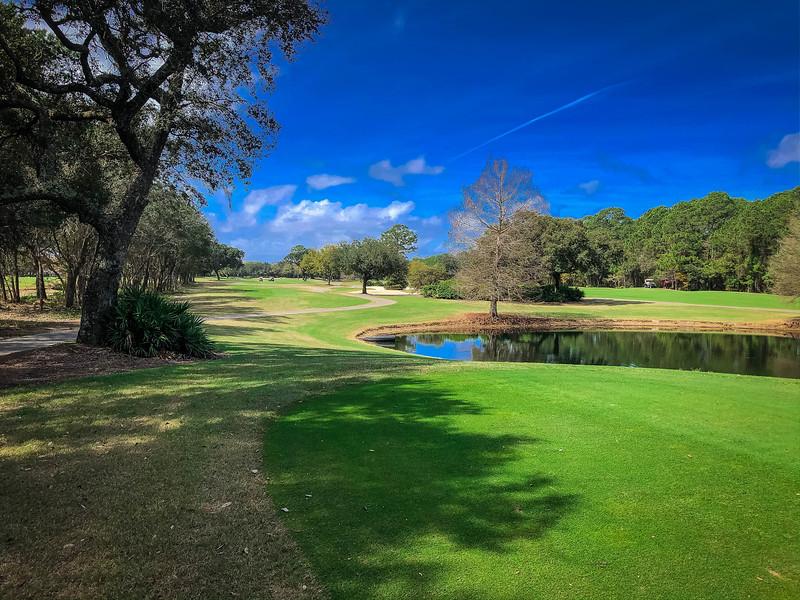 peninsula golf and racquet club