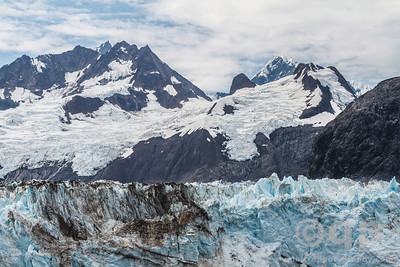 JOHNS HOPKINS GLACIER AND MOUNTAINS