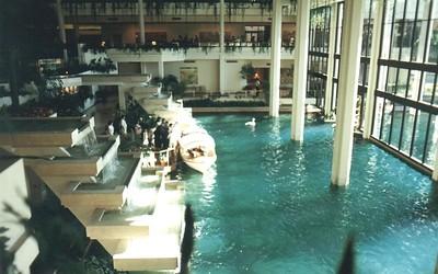 01 - Marriott's Lobby