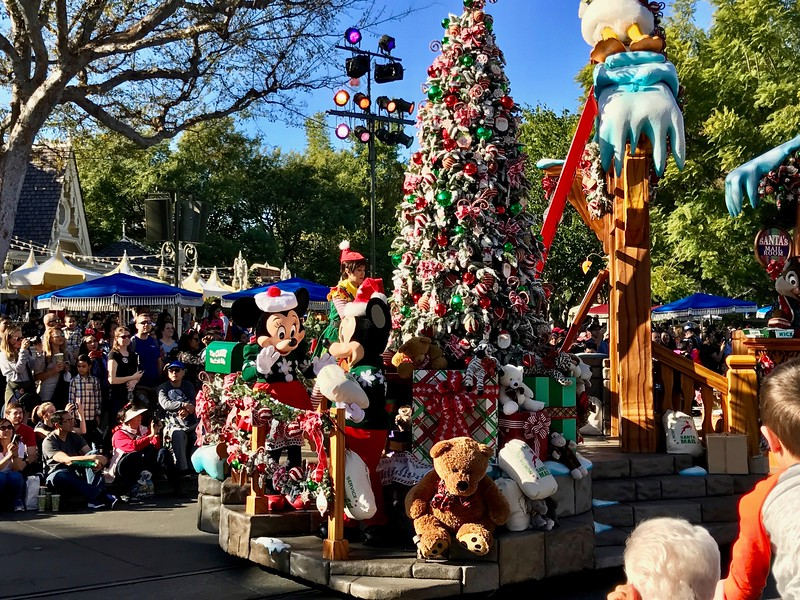 DIsneyland Holiday Parade
