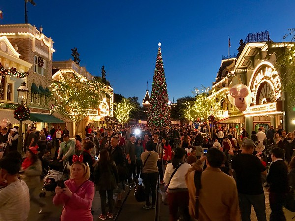 Disneyland Main Street decorated for Christmas