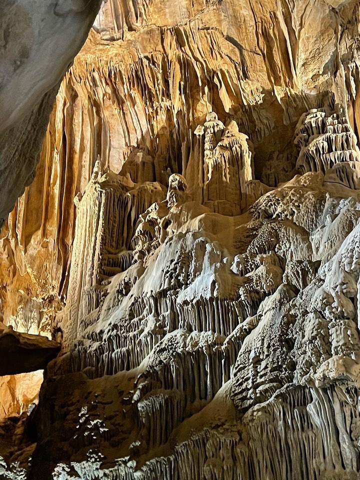 Lake Shasta Caverns National Natural Landmark