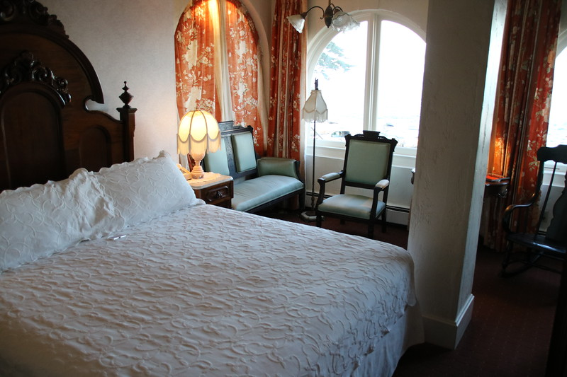 Bedroom - Martine Inn - Pacific Grove