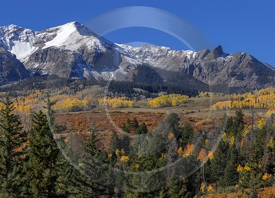 Ridgway Country Road Rain Colorado Mountain Range Autumn Town View Point Royalty Free Stock Photos - 014430 - 13-10-2014 - 10097x7257 Pixel