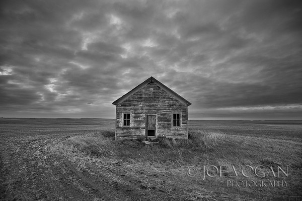 Abandoned farmhouse, North Dakota
