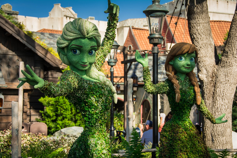 frozen topiary epcot