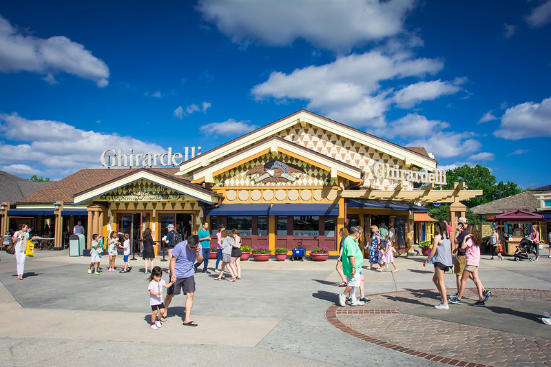 disney springs ghirardelli ice cream shop
