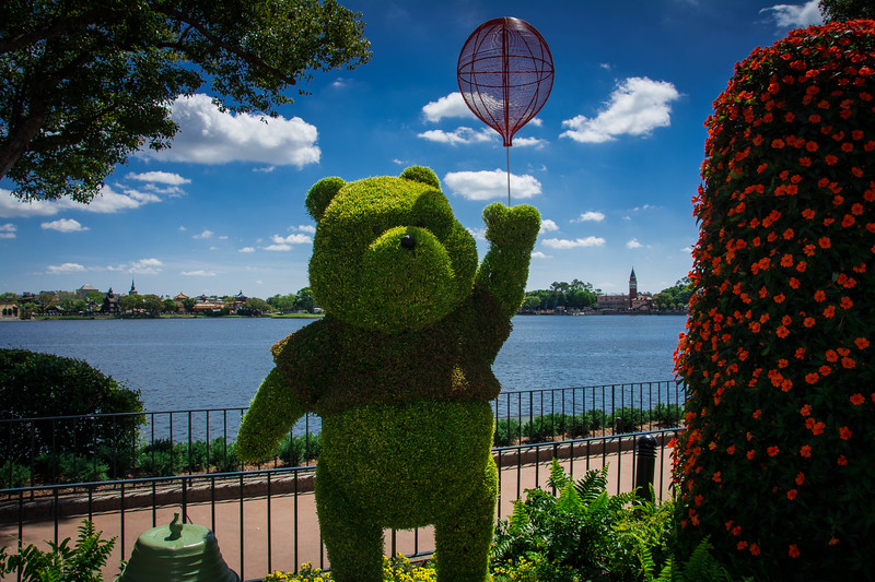winnie the pooh epcot topiary