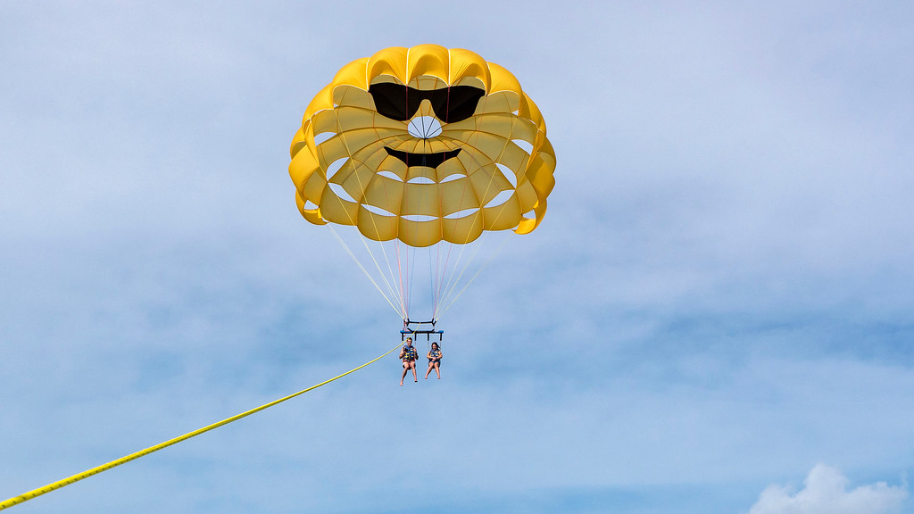 Planning a trip to the Florida Keys: Parasailing Islamorada with Sundance Watersports