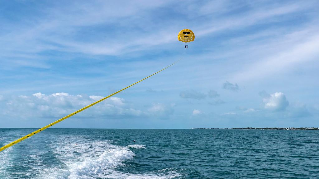 Florida Keys Road Trip: Go parasailing in Islamorada