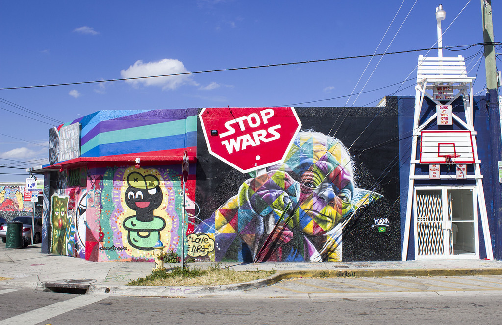 Wynwood Walls - Street art outside the walls in Miami