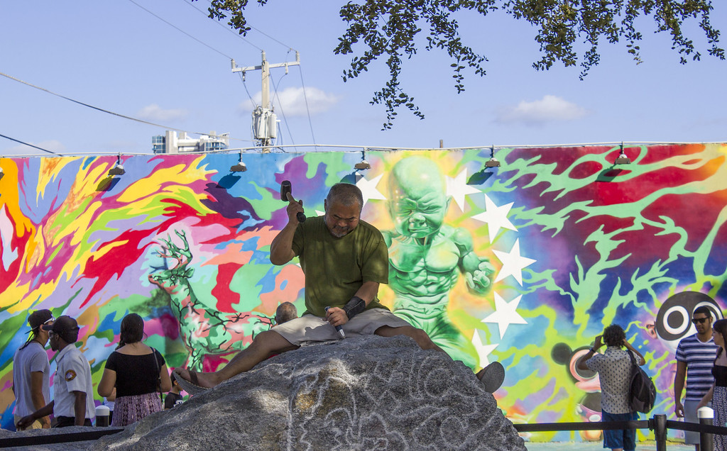Wynwood Walls Miami: Wynwood Garden - Sculpture Being Created