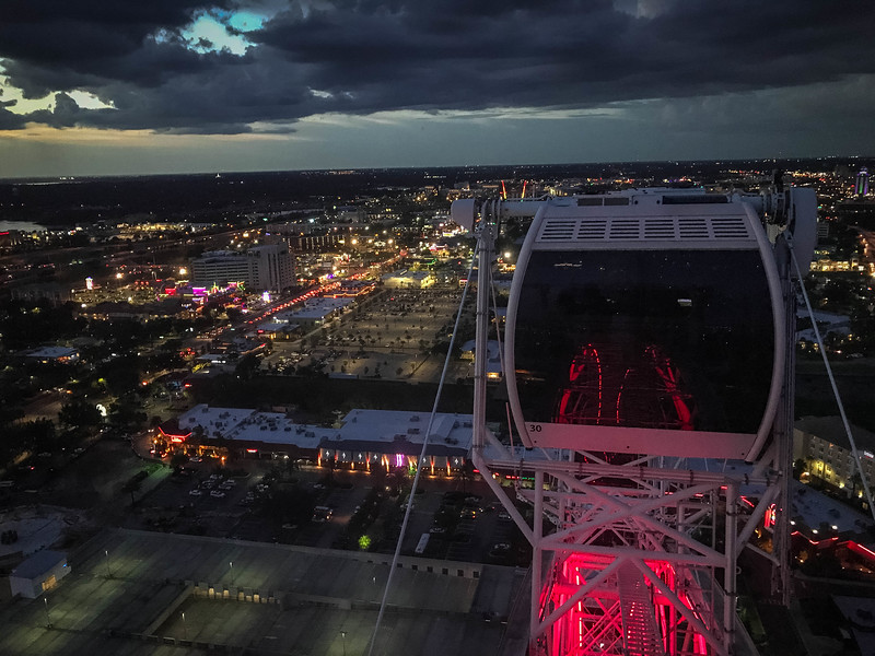 orlando eye at night