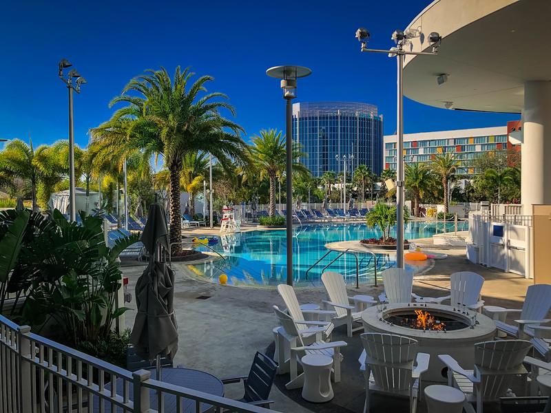 aventura hotel outdoor pool