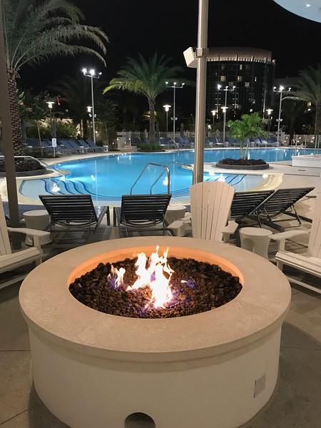 Pool - Aventura Hotel - Universal Orlando Resort