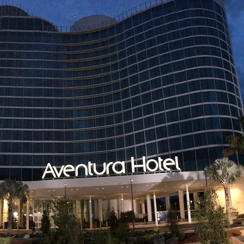First Look Review of the Aventura Hotel – Universal Orlando Resort