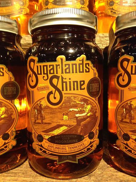 gatlinburg sugarlands moonshine