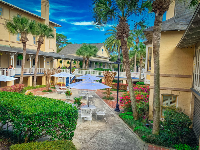jekyll island club resort courtyard