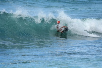 1563 - Sunset Beach Action, North Shore, OAHU