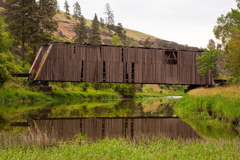 The covered bridge near Paluse, WA