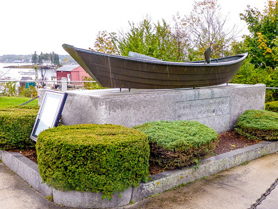 Boothbay, Maine Fisherman's Memorial to seaman 1798~2004