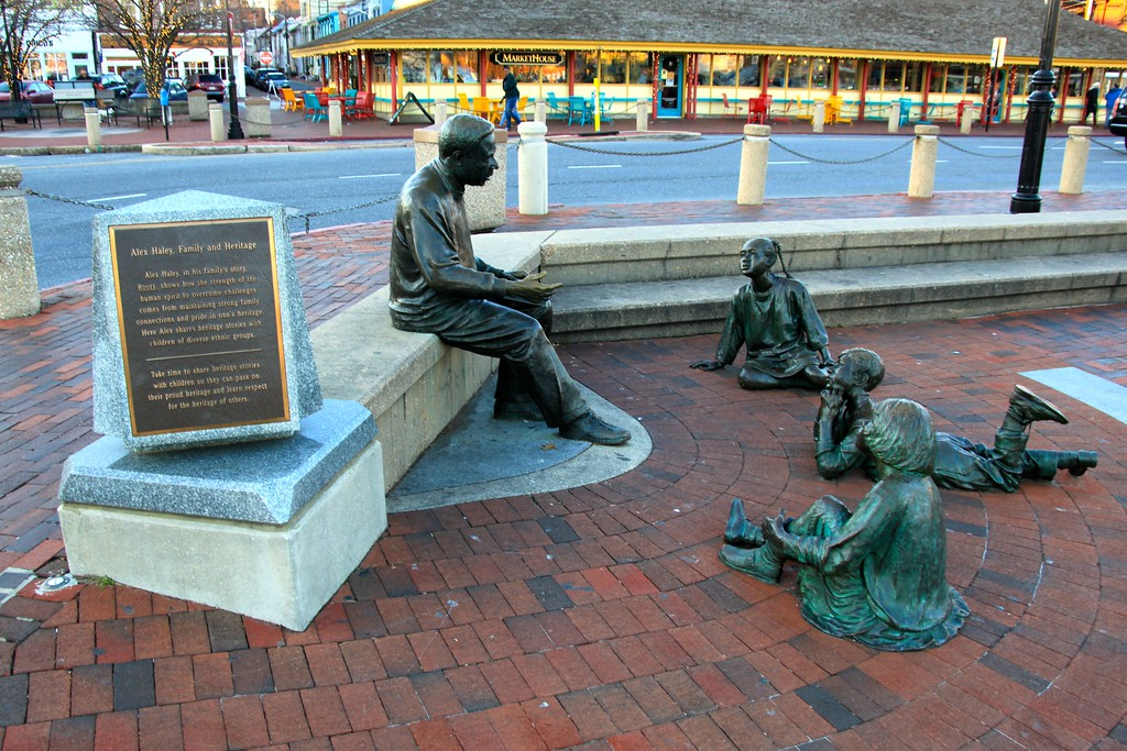 Statue of Alex Haley - Annapolis, Maryland - Photo