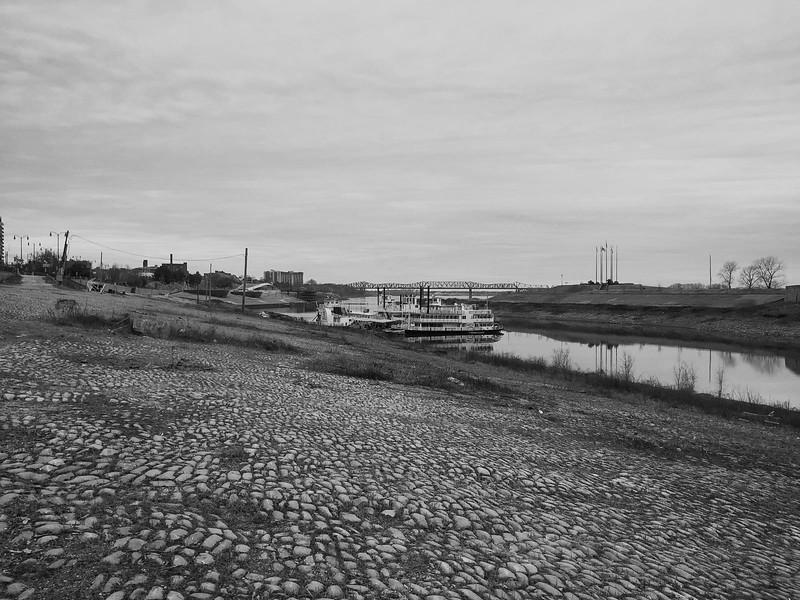 cobblestone landing memphis riverfront