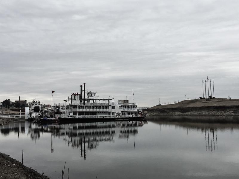 memphis riverboat queen