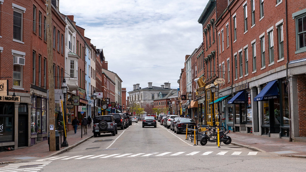 Shopping downtown Portsmouth NH