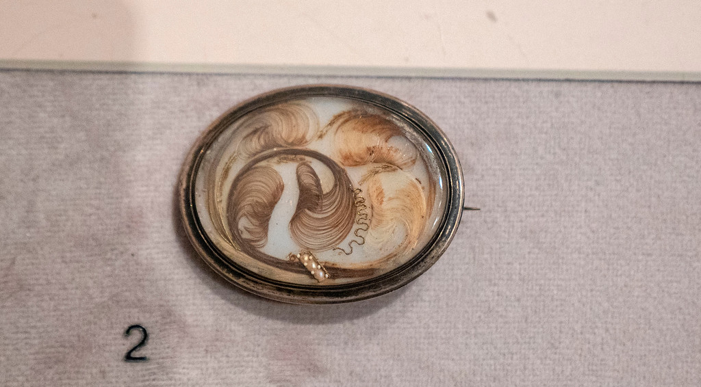 Albany Institute of History and Art - Hair brooch