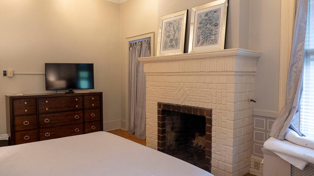 Washington Park Inn in Albany NY - Bedroom