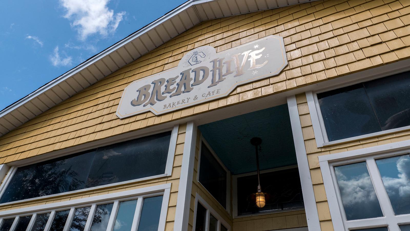 Breadhive Bakery & Cafe