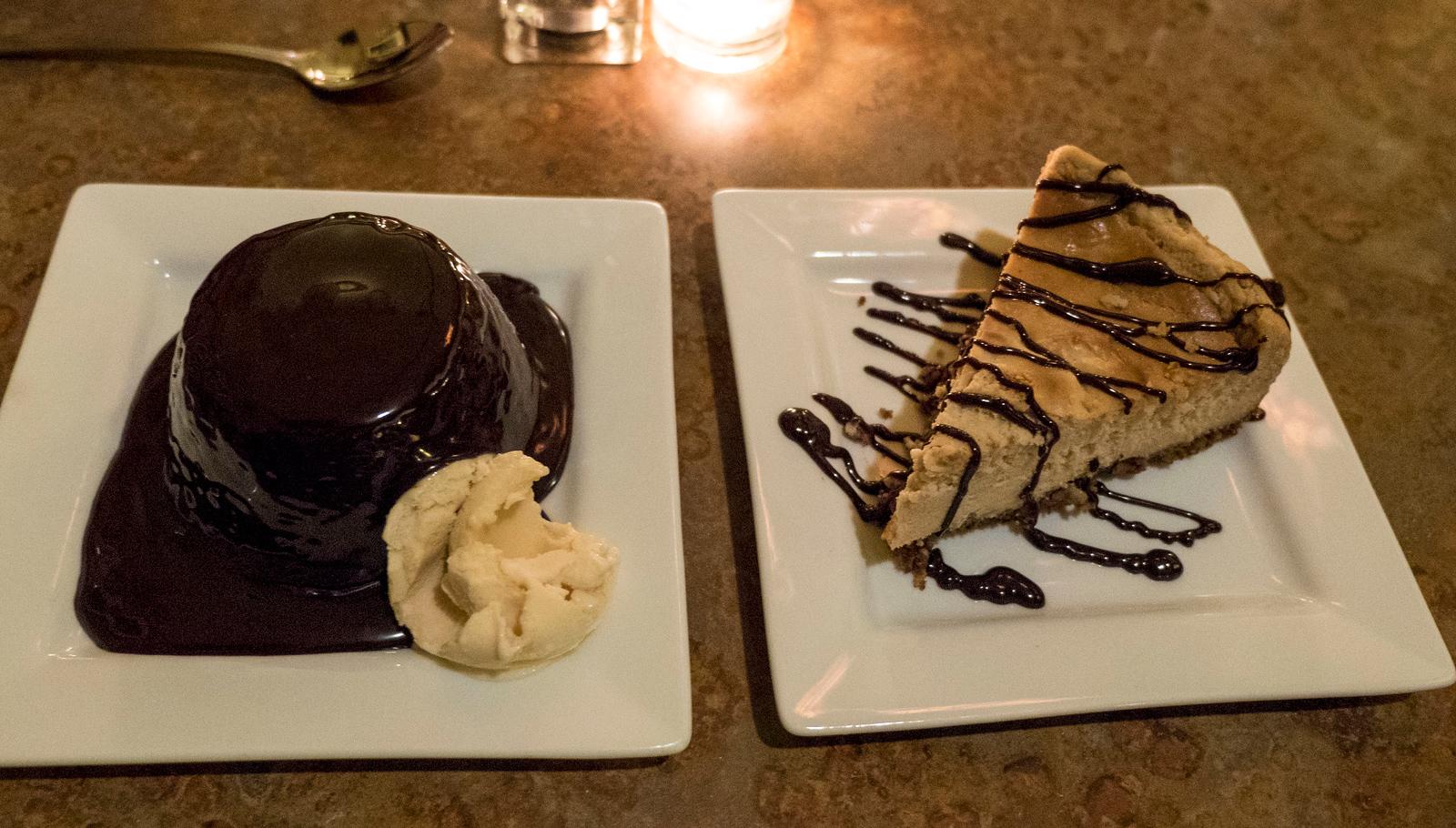 Peanut butter cheesecake and chocolate cake - Vegan - Merge