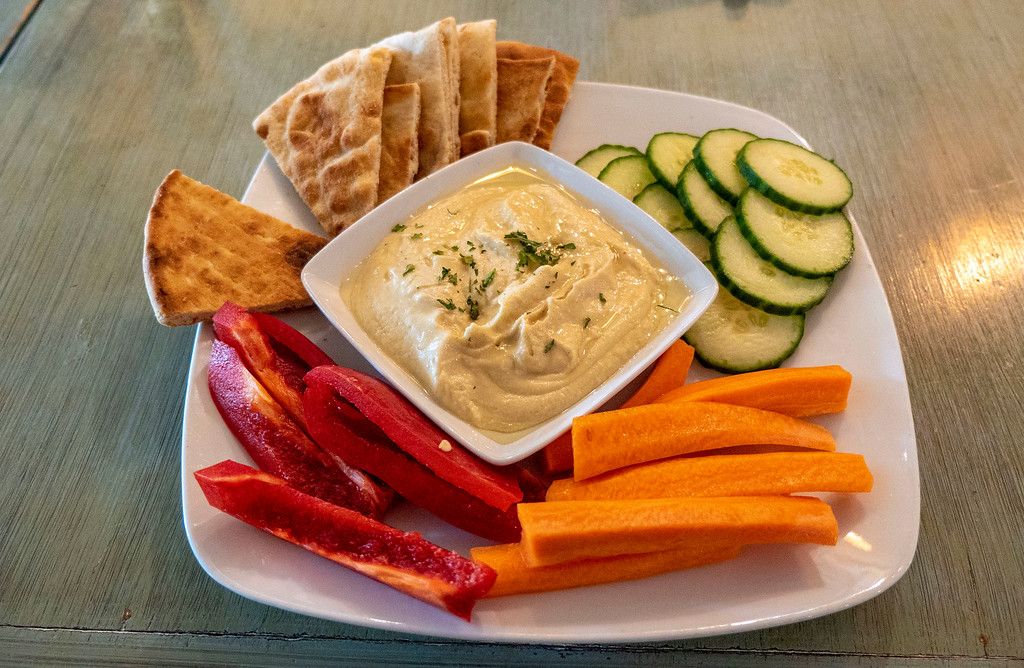 Hudson Valley Vegan: Hummus plate at Harney & Sons Tea Room