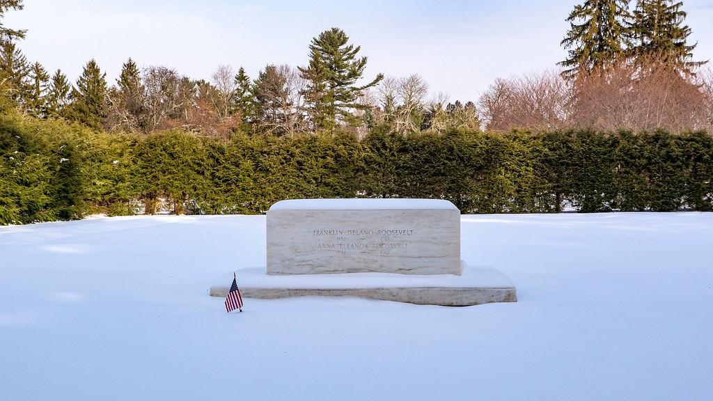 Grave of Franklin D Roosevelt and Eleanor Roosevelt