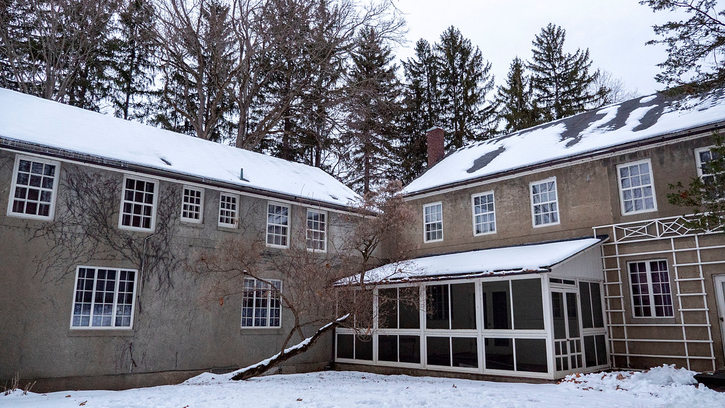 Eleanor Roosevelt National Historic Site - Christmas decorated mansions