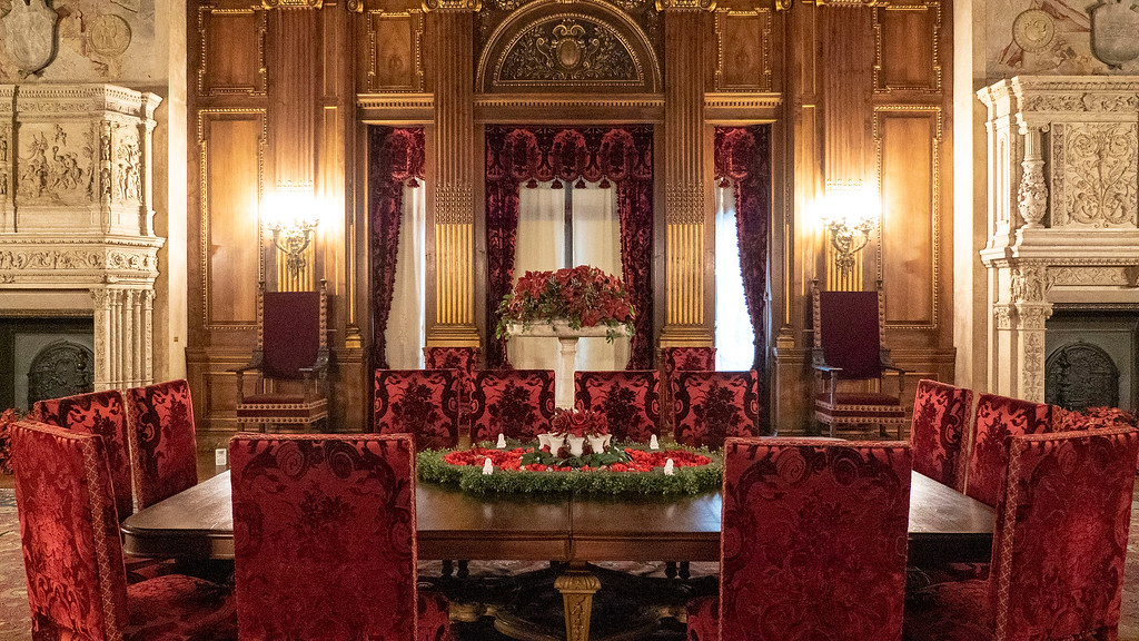 Hudson Valley Christmas events - Vanderbilt Mansion Holiday Decorations