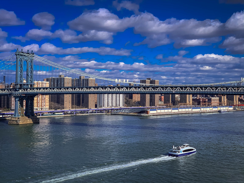 manhattan bridge east river