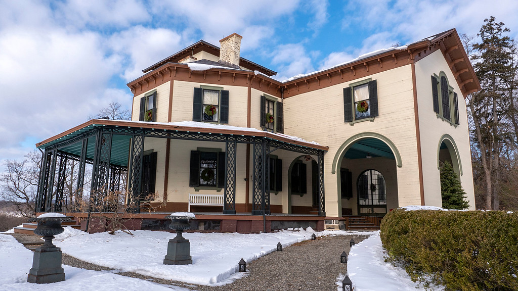 Christmas decorated mansions: Locust Grove Estate in Poughkeepsie New York