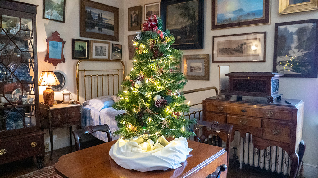 Historic houses Hudson Valley - Locust Grove Estate at Christmas
