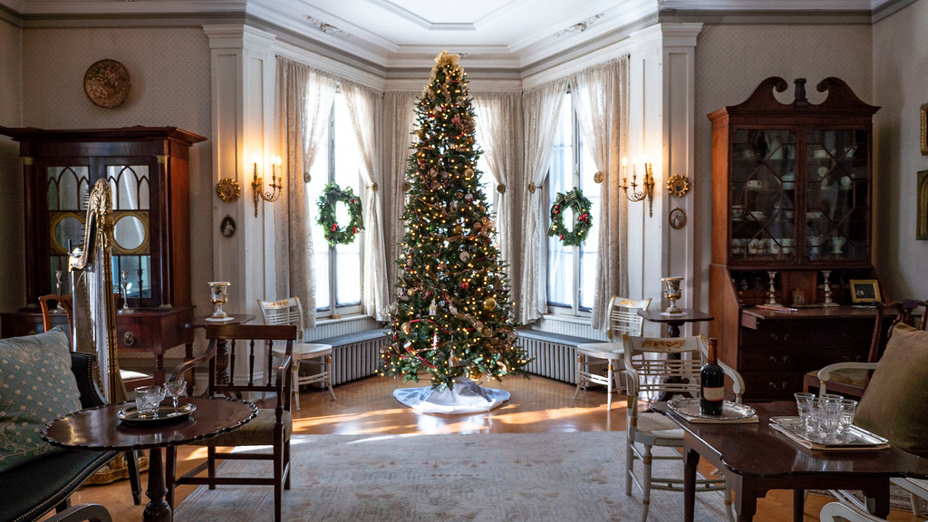 Things to do in Poughkeepsie - Locust Grove Estate at Christmas