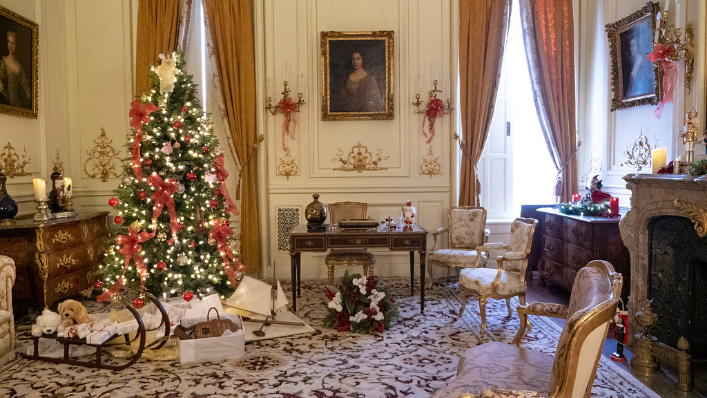 Christmas decorated mansions - Staatsburgh State Historic Site