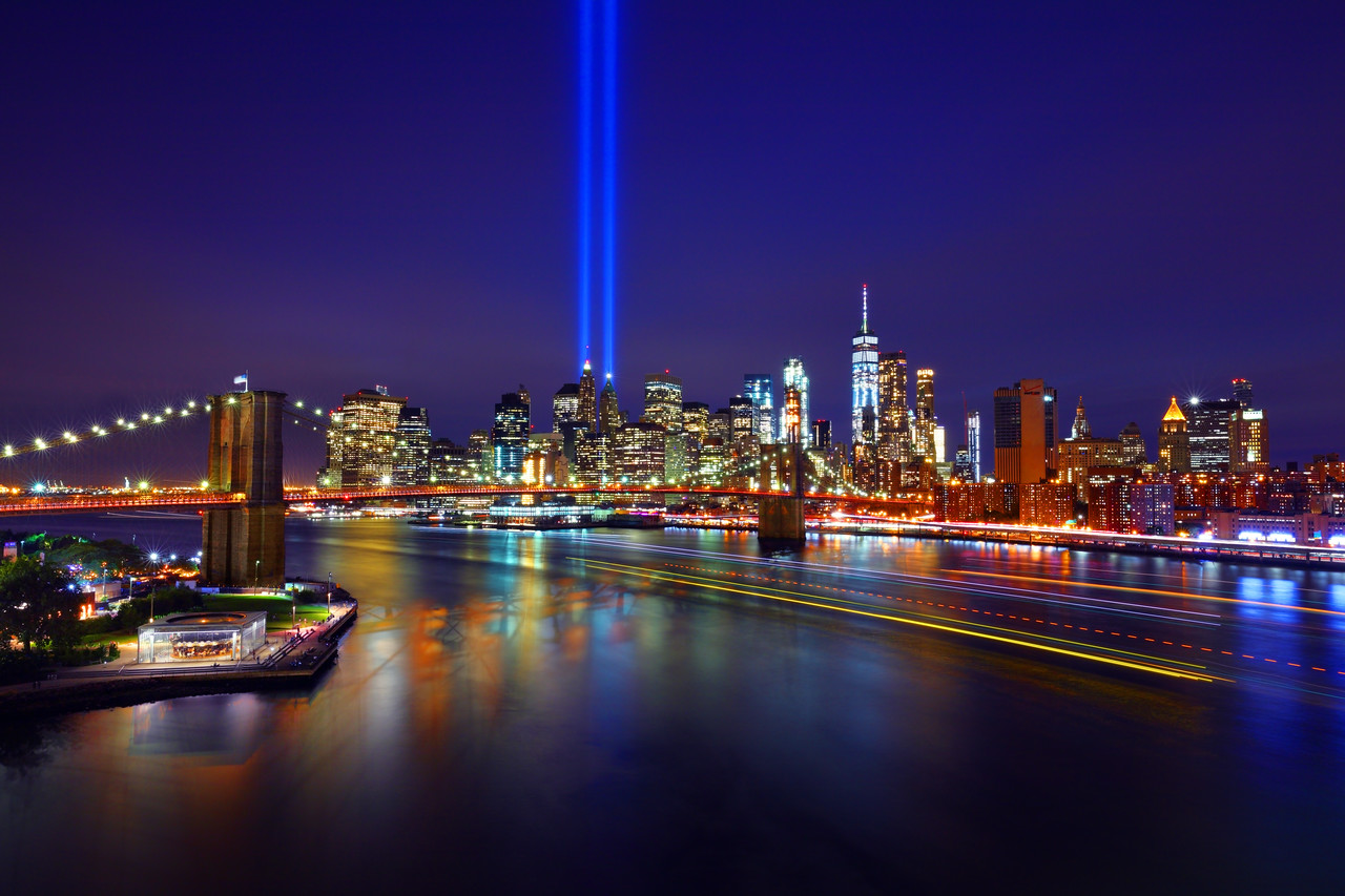 9/11 Tribute in Light, Brooklyn Bridge, One World Trade Center and Manahattan Skyline, New York City