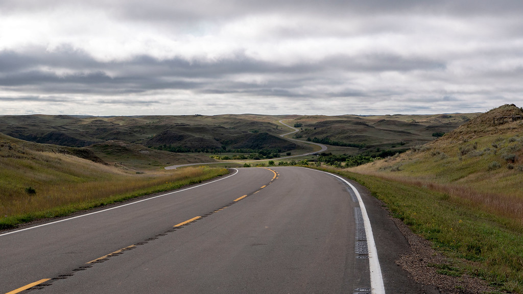 Beautiful winding roads of North Dakota - North Dakota road trip