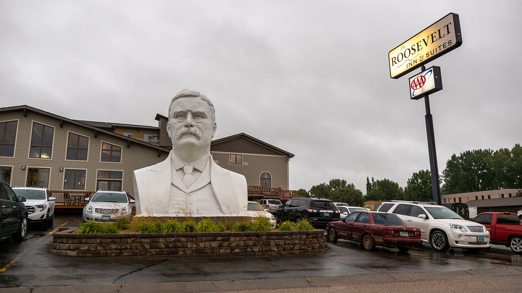 Roosevelt Inn and Suites - Giant Roosevelt Bust - North Dakota road trip
